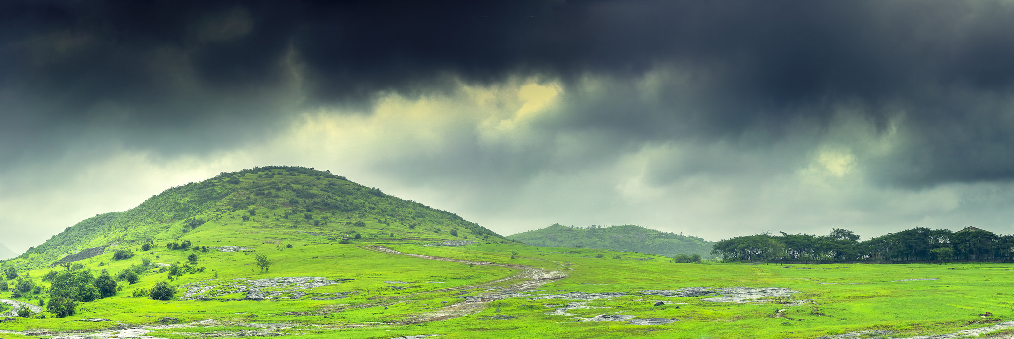 Best Monsoon Treks In Maharashtra For A Weekend Getaway