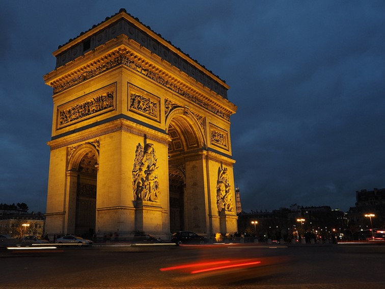 arc de triomphe - famous destinations in India and foreign look-alikes