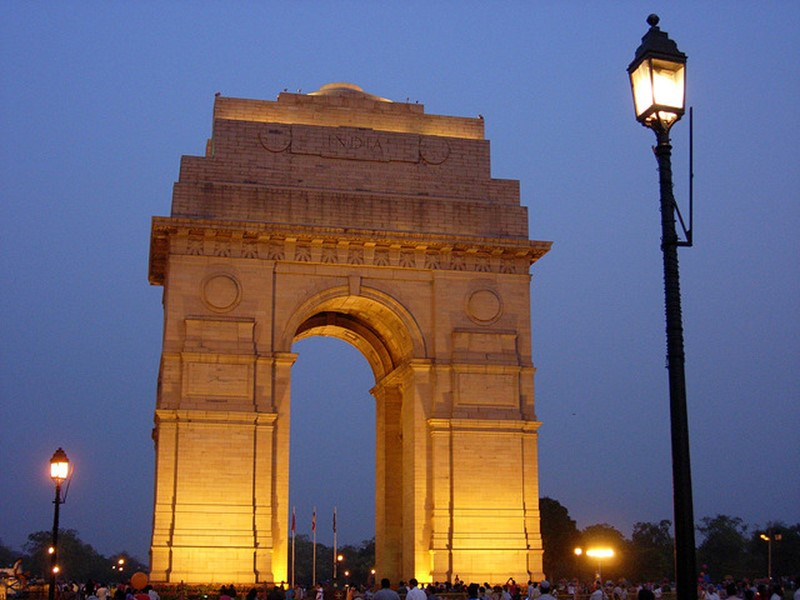 india gate - famous destinations in India and foreign look-alikes