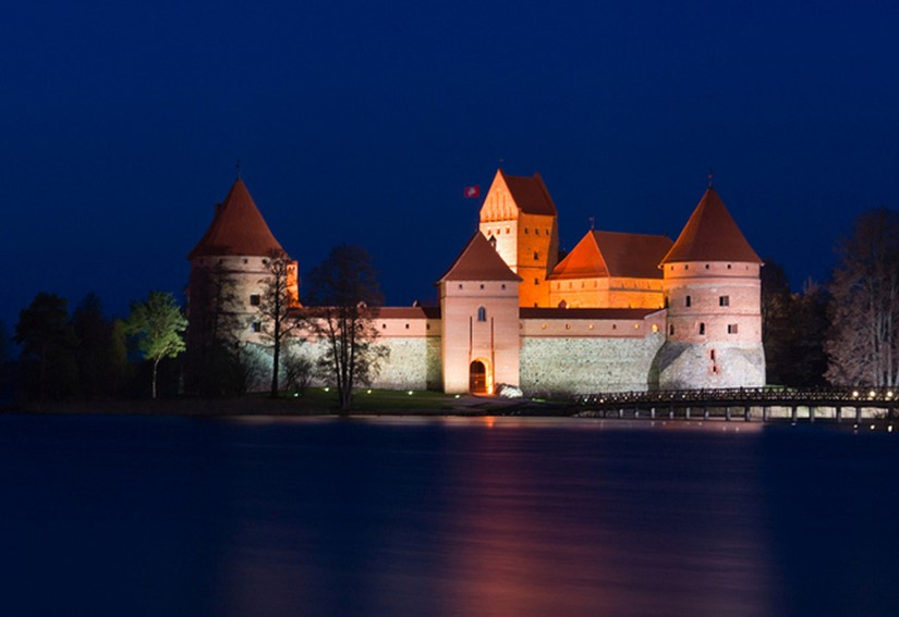trakai castle - famous destinations in India and foreign look-alikes