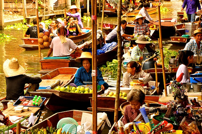 bangkok floating market - famous destinations in India and foreign look-alikes