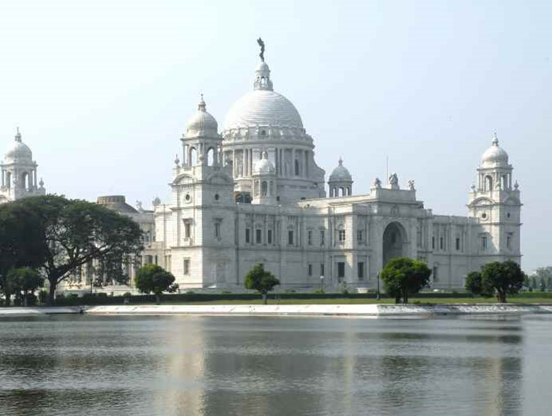 10 Famous Monuments And Buildings Built By British Colonial Rulers